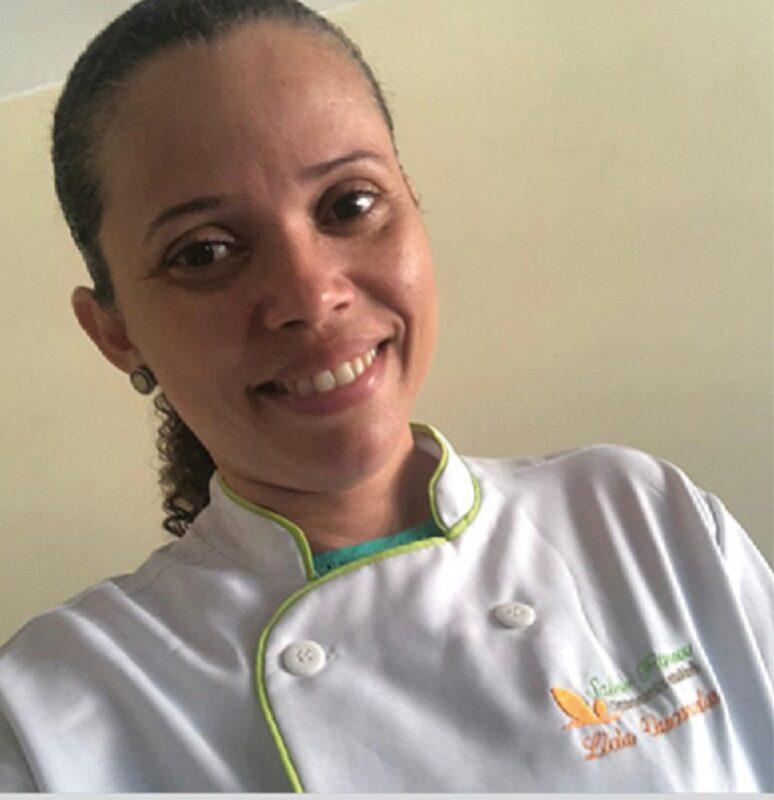 Culinarista Lívia Vasconcelos, especialista em gastronomia inclusiva - Foto: Divulgação
