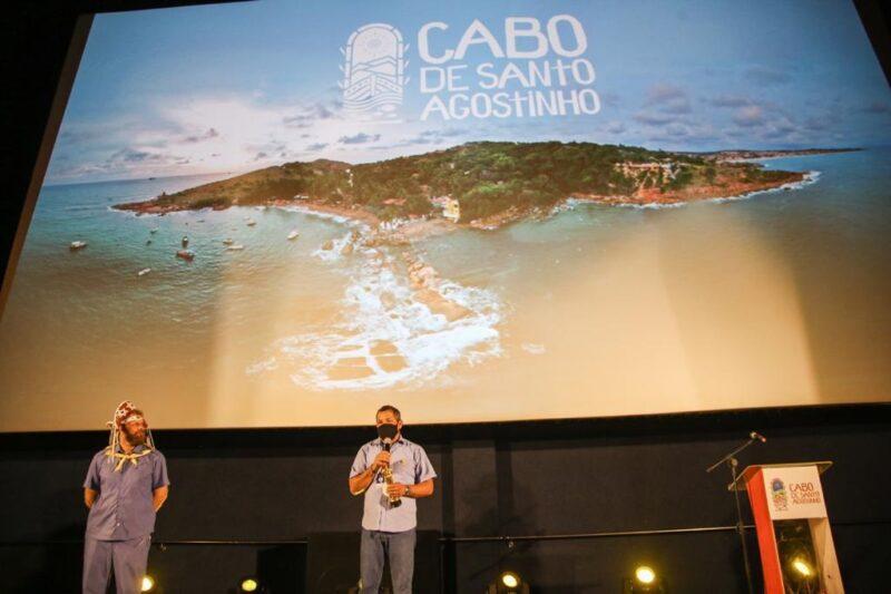 O prefeito Keko do Armazém durante apresentação da nova campanha de difusão do turismo de Cabo de Santo Agostinho - Foto: Divulgação