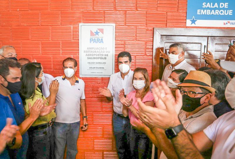 Helder Barbalho, Governador do Estado do Pará entrega o aeroporto, ao lado do senador Jader Barbalho - Foto: Reprodução