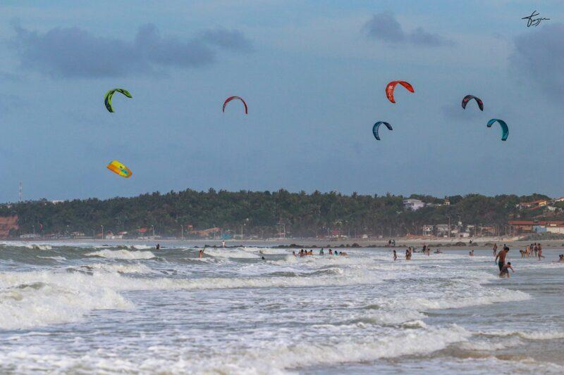 Movimento nas praias da Ilha mostram uma recuperação no movimento de visitantes no período de julho - Ascom Setur