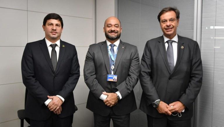Carlos Brito, Celso Leonardo Barbosa e Gilson Machado - Foto: Roberto Castro