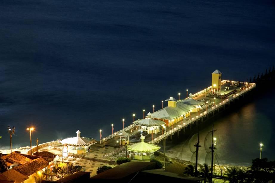 A Ponte dos Ingleses, na Praia de Iracema, um dos melhores locais para ver o pôr do sol da cidade de Fortaleza - Foto: Reprodução