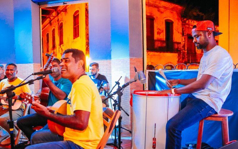 Nivaldo Santos recebe convidados na noite de sexta-feira (13) - Foto: Divulgação