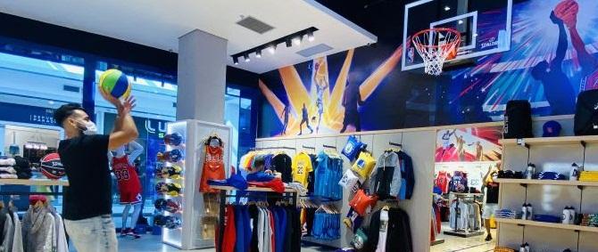 A maciça presença de fãs da NBA em Fortaleza foi um dos fatores preponderantes para escolha da loja na capital cearense - Foto: Divulgação
