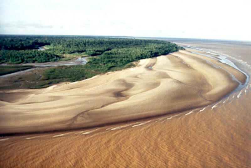 Encontro dos rios Tapajós e Amazonas - Belezas do Pará ganharão destaque no Encomtur - Foto: João Ramid