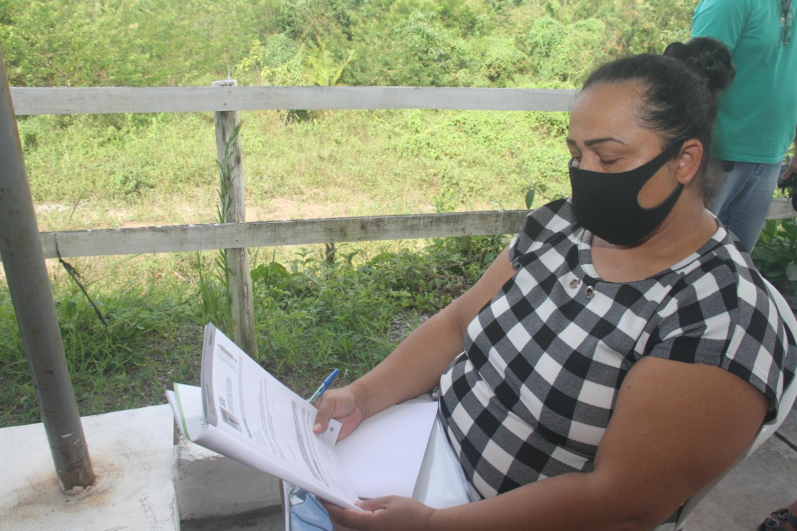 """A dona de casa Simone Almeida que estava sem trabalhar e se animou a começar um negócio, embasada em tudo o eu aprendeu no """"Mulheres Empreendedoras"""" – Foto: Divulgação"""
