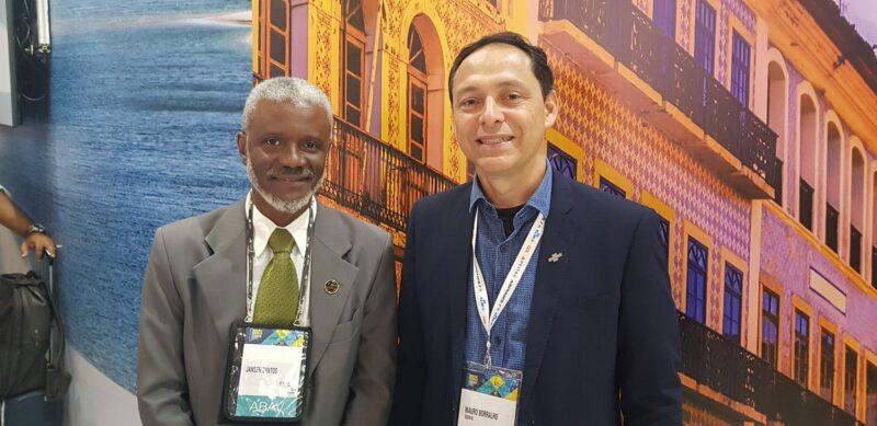 Na Abav Expo 2019, o diretor Técnico do Sebrae, Mauro Borralho, prestigiou o stand do Maranhão acompanhado de Jansen Santos, presidente da Abav/MA- Foto: Divulgação