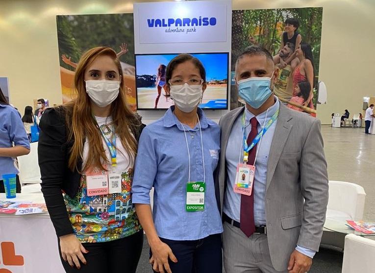 Sabrina Martins (Secretária Adjunta Municipal de Turismo) e Saulo Ribeiro (Secretário Municipal de Turismo) - Foto: Divulgação