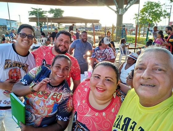 A euforia estava estampada na face de todos os presentes, seguindo o presidente e fundador de Os Feras, percussionista e carnavalesco Paulinho Salaia – Foto: Divulgação